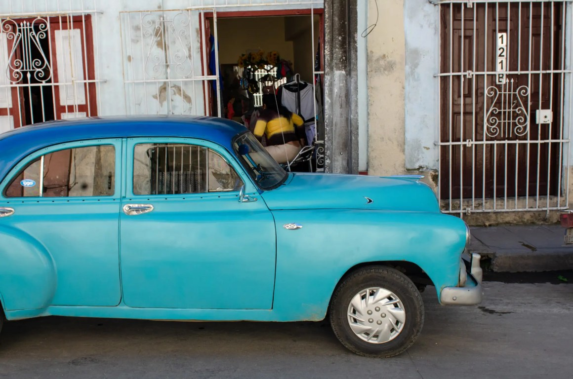 Je kunt vandaag ook oude oldtimers in Cuba zien.