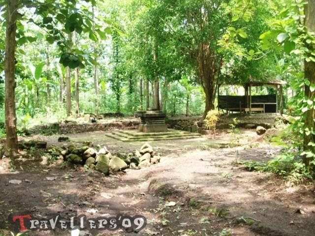 Menelusuri Situs Peninggalan Sejarah di Hutan Brongkos 2