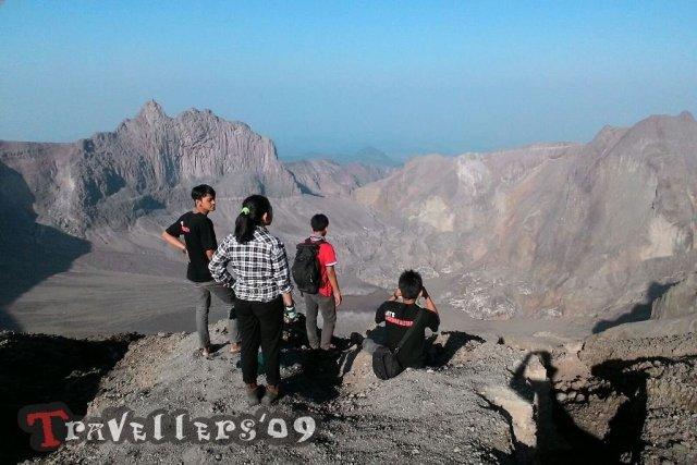 travellers in kelud via tulungrejo