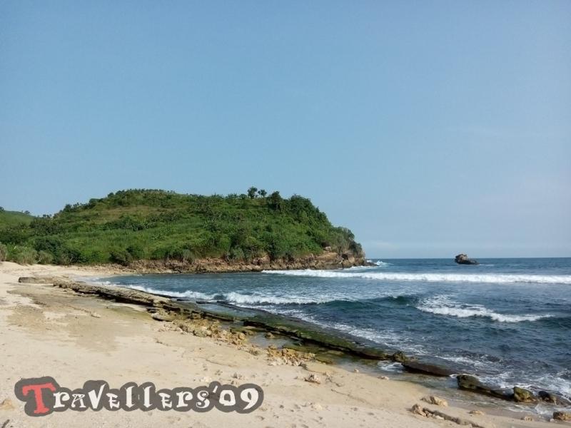 Pantai Pasetran Gondo Mayit Blitar, Tak Seangker Namanya 1