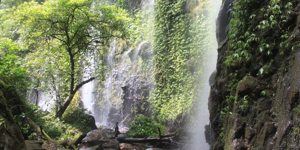 Air Terjun Lawean Kawisari Tirai Alam dari Blitar 1