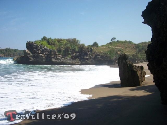 Pantai Selok Gogor di Teluk Serang Blitar 9