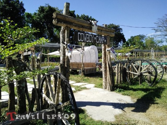 Cowboy and Indian Camp, Blitar 3