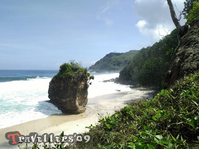 Pantai Lumbung Tulungagung dengan Pesonanya yang Menawan 3