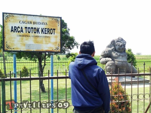 Arca Totok Kerot, Dwarapala Raksasa di Kabupaten Kediri 5