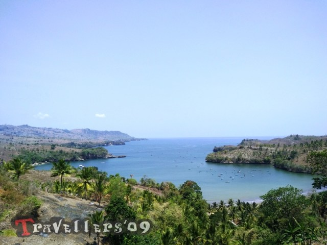 Pantai Brumbun Tulungagung dengan Pemandangan Teluk yang Mempesona 2