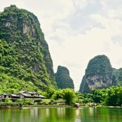 Unser Hotel, Yangshuo Mountain Retreat, Blick vom Yulong River.