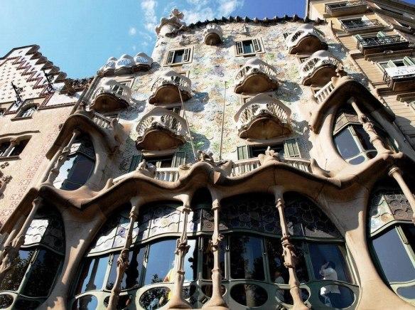 Дом Бальо Антонио Гауди в Барселоне.