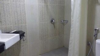 Shower in Amarelo Hotel Solo