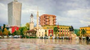 Tirana, Sheshi Skenderbej