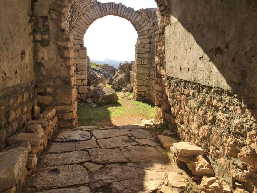 Santa Quaranta ruines. Foto: Gerda Mulder