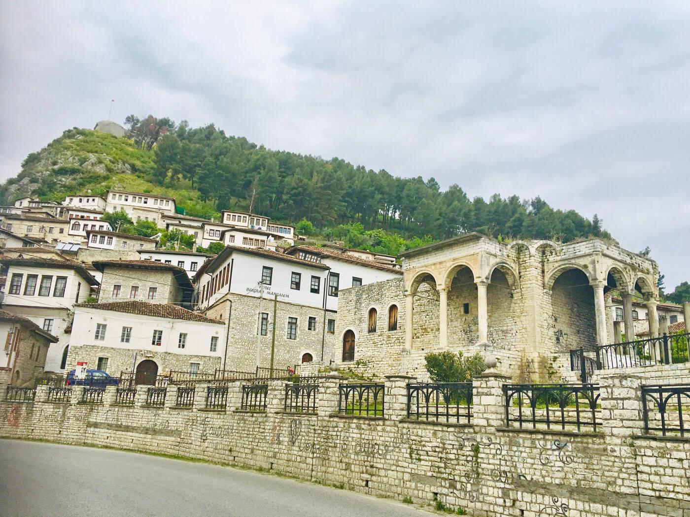 Berat-belgrad-mangalemi-hotel