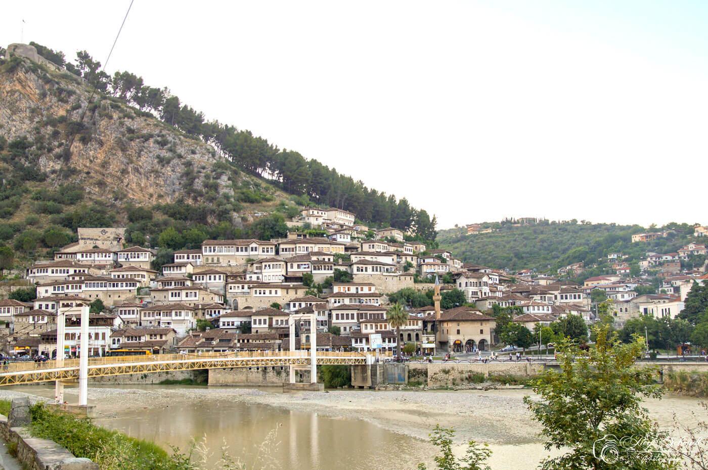 Berat albanie brug