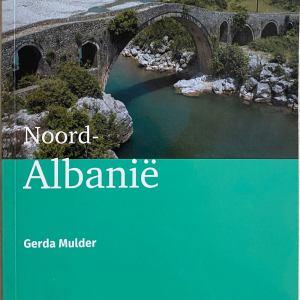Noord-Albanie-voorkant Gerda Mulder