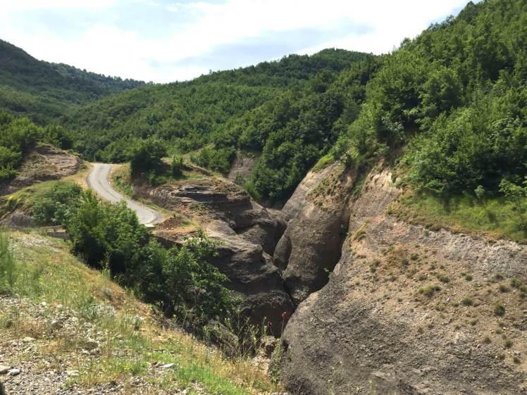 Landschap-in-de-Mat-regio-albanie-2