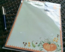 A decorative holiday writing paper which is good not only for Autumn /Fall /Hallowe'en writing but anytime of the year to cheer someone up.