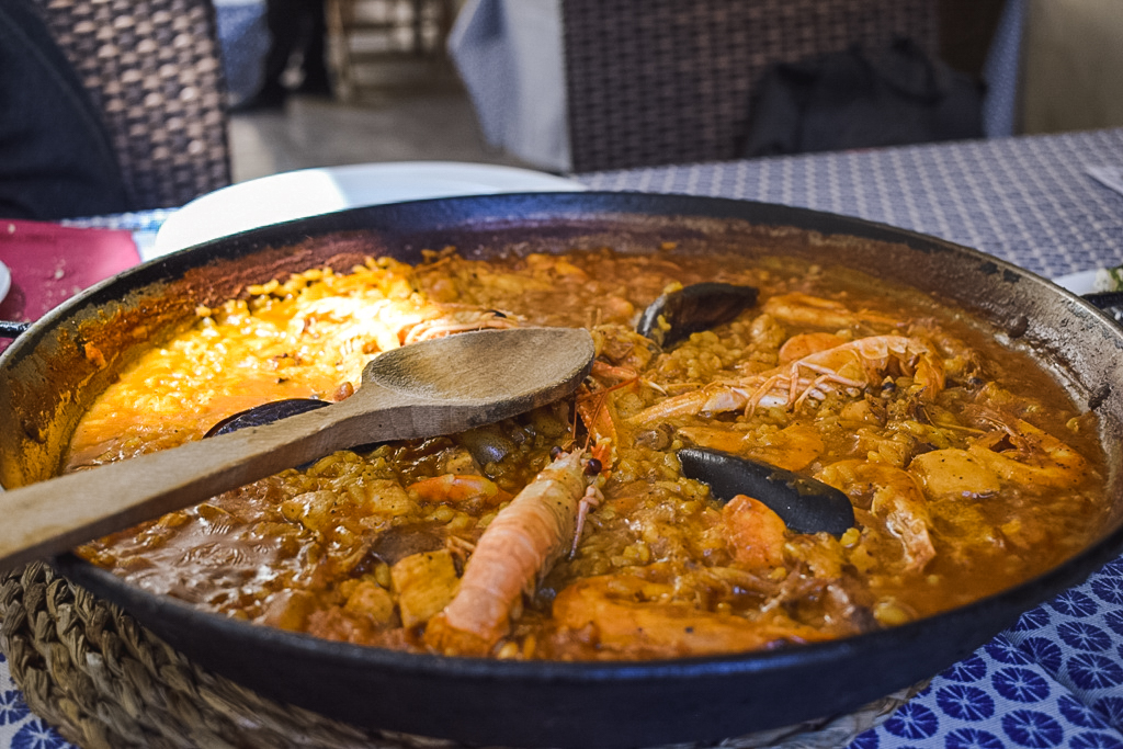 Paella in Malaga - - what to eat and drink in Malaga