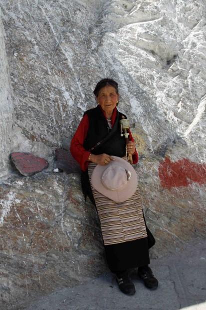 Tibetan pilgram at Potala Palace, Lhasa