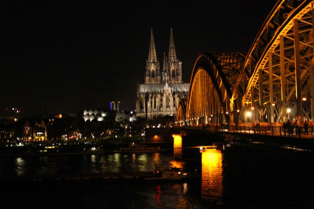 "The illuminated Cologne Cathedral ""Kölner Dom"" and the Hohenzollern Bridge"