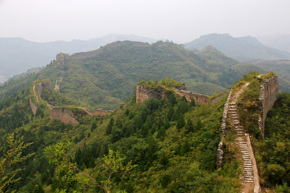 Hiking on the wild Gubeikou Great Wall