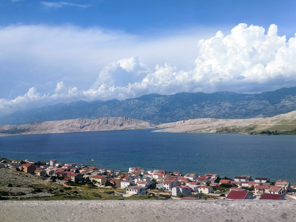 The town Novalja is located at the Adriatic