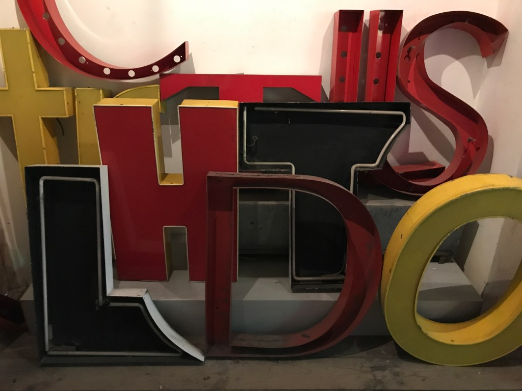 warsaw neon museum (7)