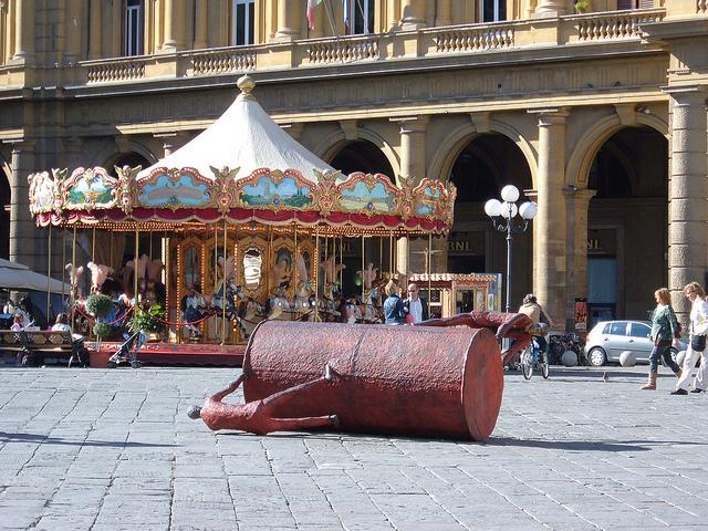 piazza reppublica florencia 640