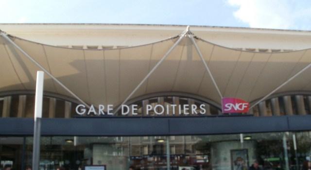 Un paseo por la ciudad pueblo de Poitiers