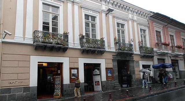 Visita a la casa y la vida de Maria Augusta Urrutia en Quito