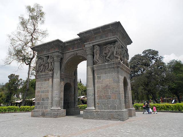 Arco Circasiana parque Ejido