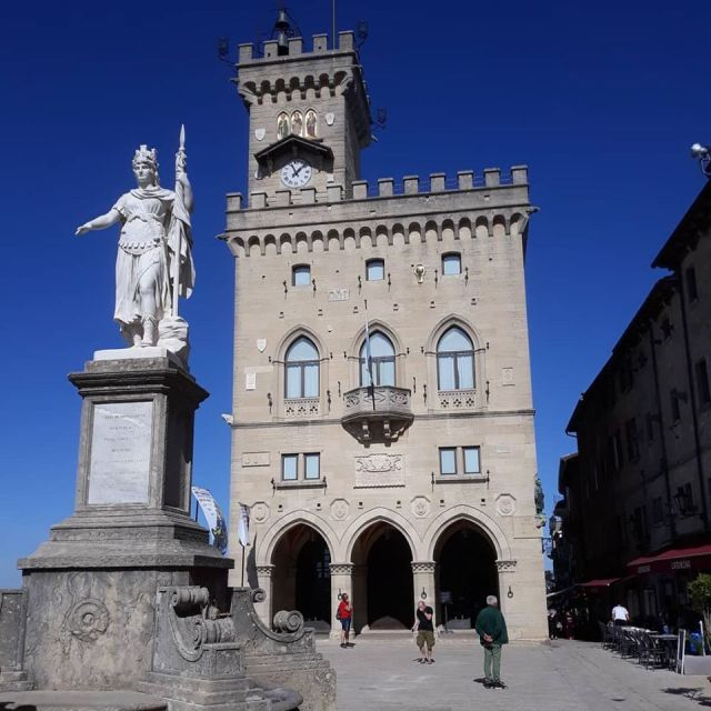Town House and statue in San Marino