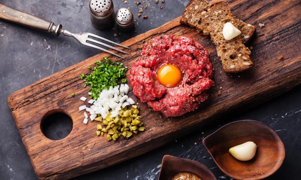 polish foods, beef tartare