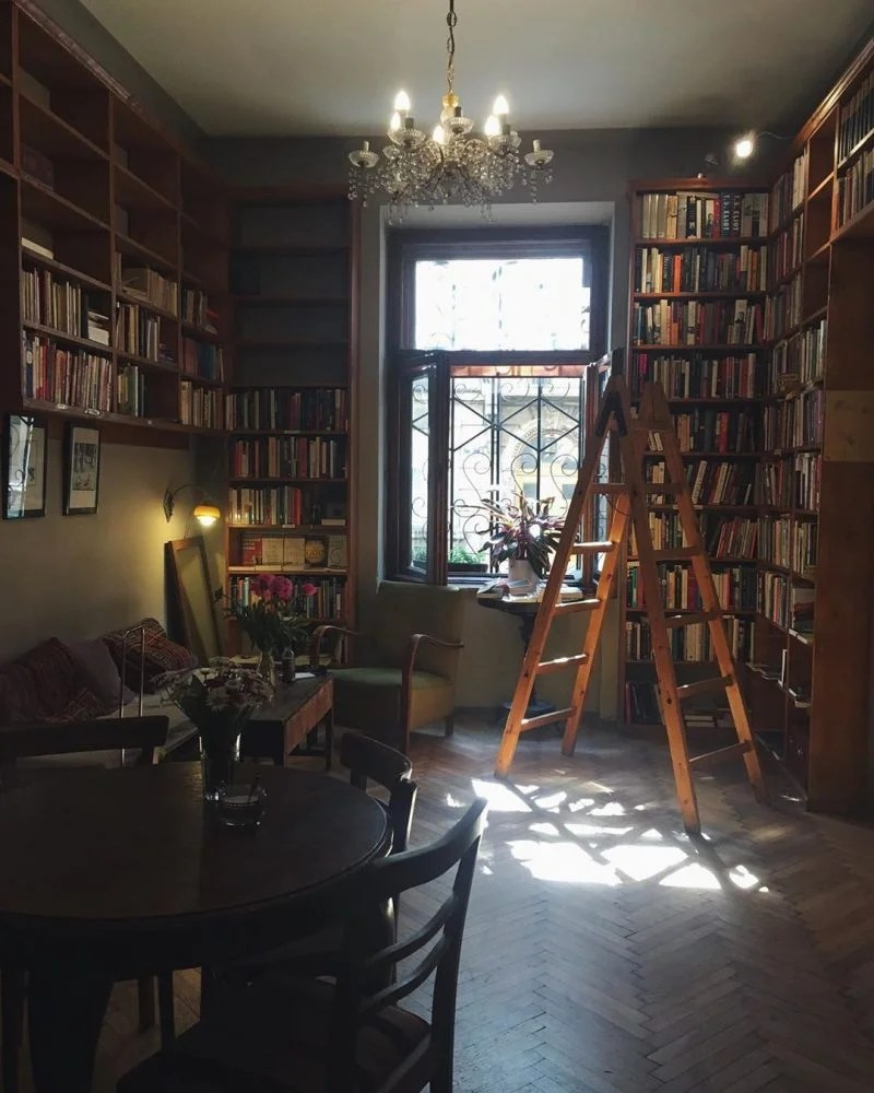 massolit books & cafe