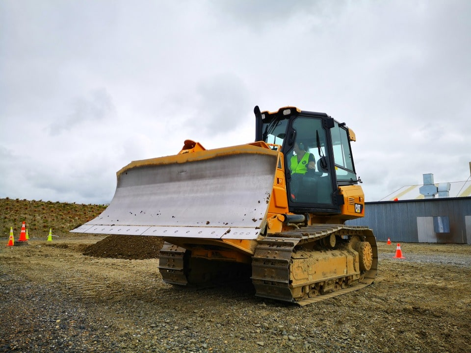 bulldozer digger dig this big boys toys