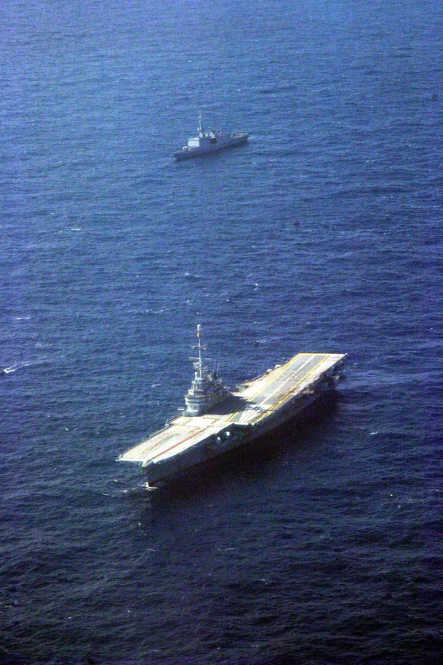 Flying over the French carrier Clemenceau