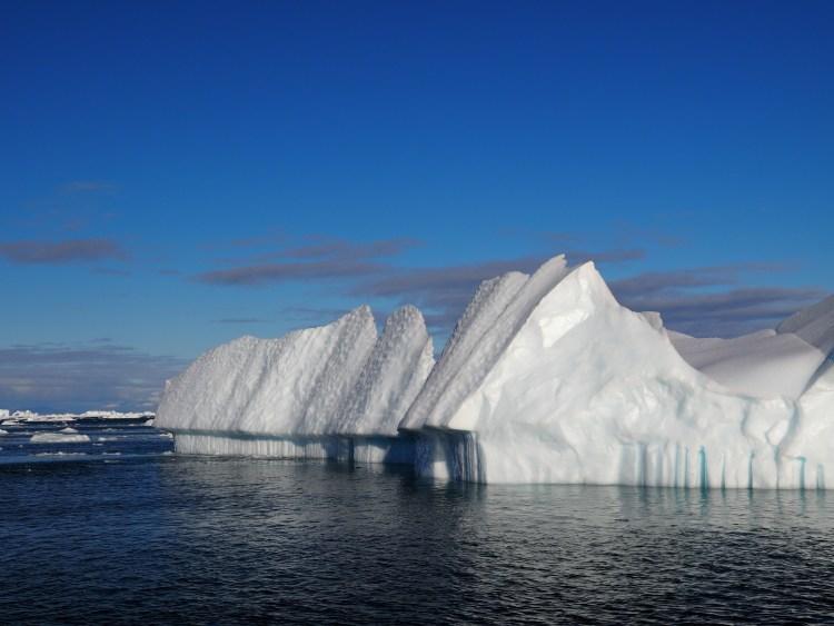 disko-bay-greenland-oqaatsut-ilulissat