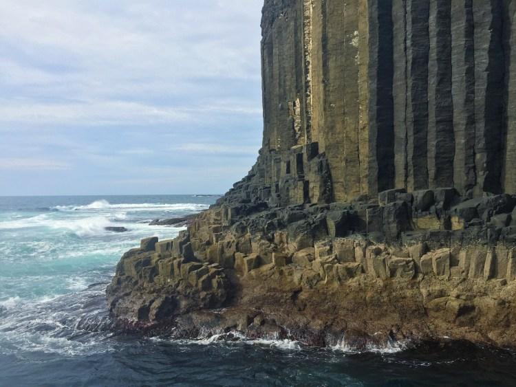 fingals-cave-staffa-isle-scotland