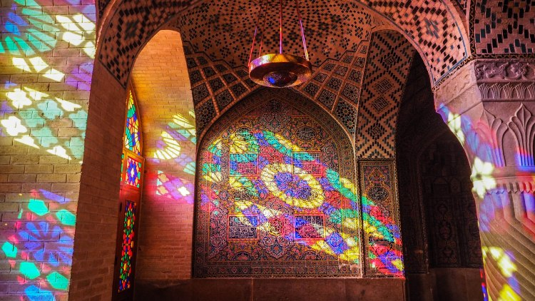 pink-mosque-iran-blog-travel-shiraz-nasir-ol-molk