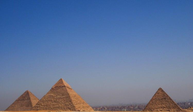giza-pyramids-travel-blog-cairo-egypt-ancient-wonder-solo-backpacking