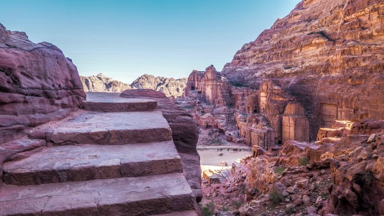 A solo travellers guide to hiking to the High Place of Sacrifice in Petra, Jordan!