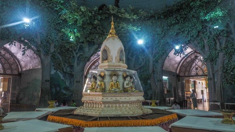 yangon-travel-blog-backpacking-budget-solo-travel-travelling-myanmar-burma