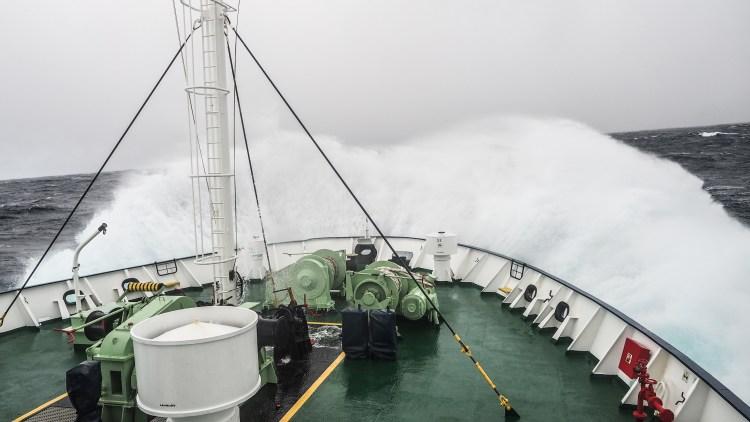 drake-passage-antarctica-travel-blog-solo-oceanwide-expeditons