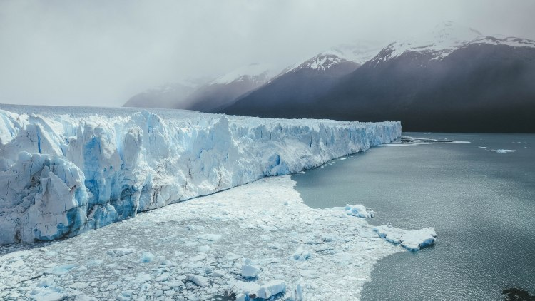 perito-moreno-glacier-argentina-patagonia-travel-blog-travelling-the-world-solo