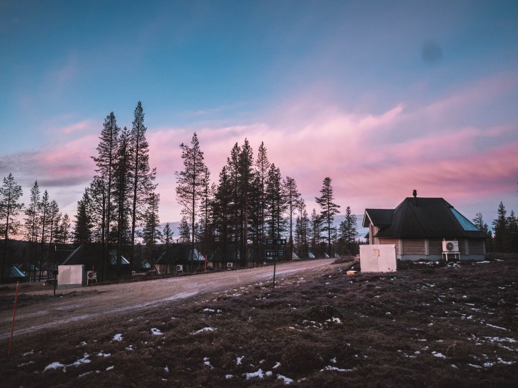northern-lights-village-travel-blog-finland-travelliing-the-world-solo
