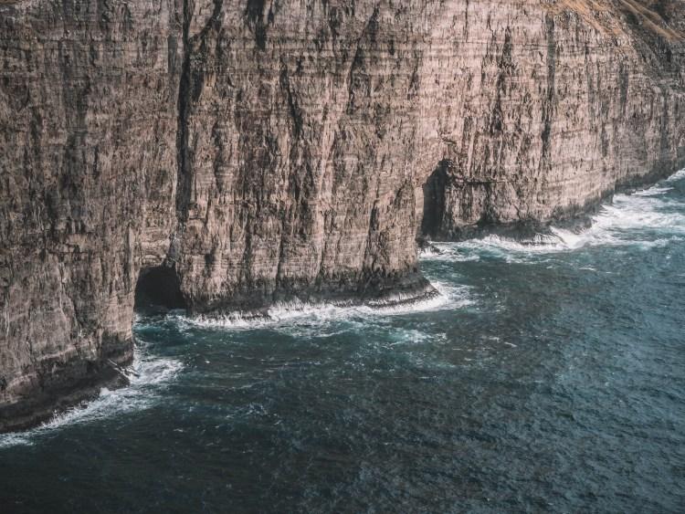 lake-sorvagsvatn-travel-blog-faroe-islands-hike-travelling-the-world-solo