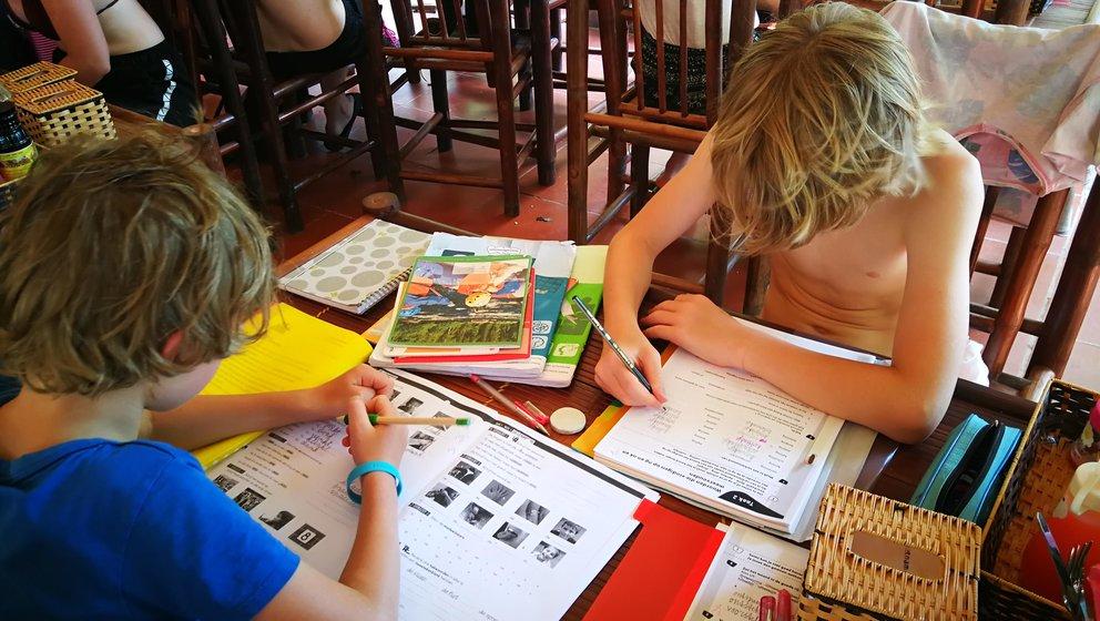 leerplicht, onderwijs op reis, reizen met kinderen, leerplichtige kinderen op reis, reizen met kinderen