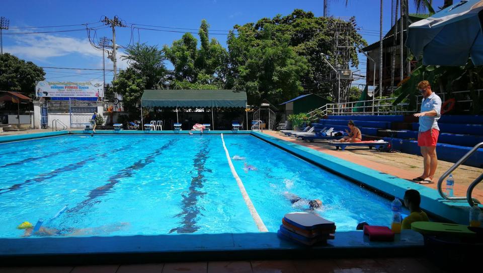 Openlucht zwembad Vientiane aanrader met kinderen