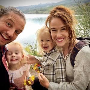 Reizen tijdens corona met je gezin, reizen met kinderen, campervanitiy, expeditie truck, manfred and the fam