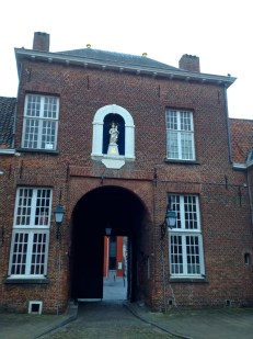 Main entrance to the Begijnhof