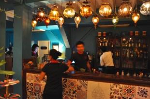 The bar at Issaya Siamese Club
